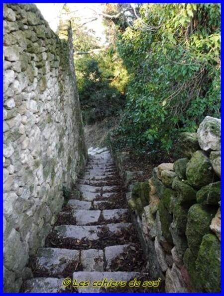 Luberon, les gorges de Combrès