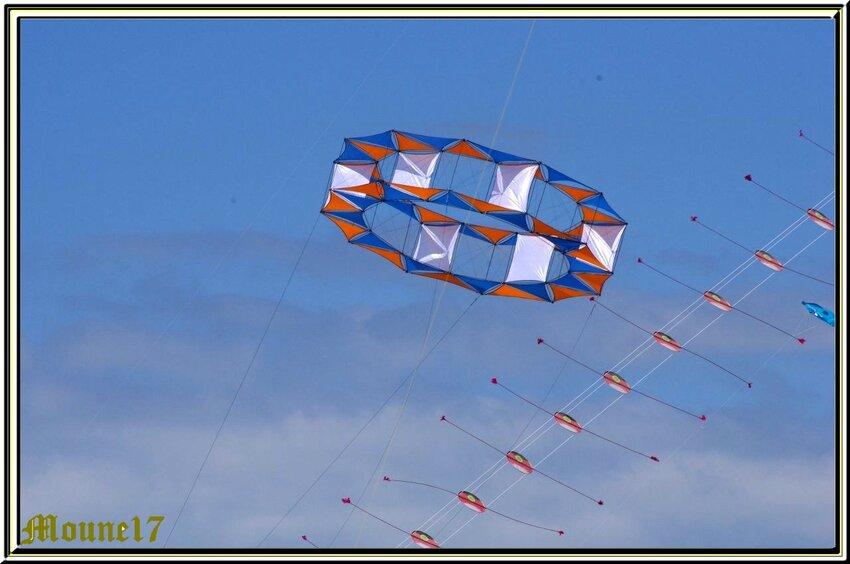 Cerfs-volants à Chatelaillon pendant le week-end de Pâques