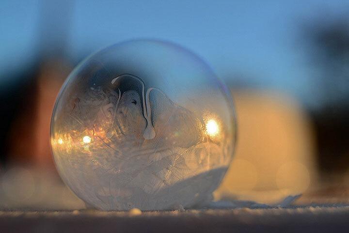 des-sumbliles-bulles-de-savon-gelees-par-le-froid6