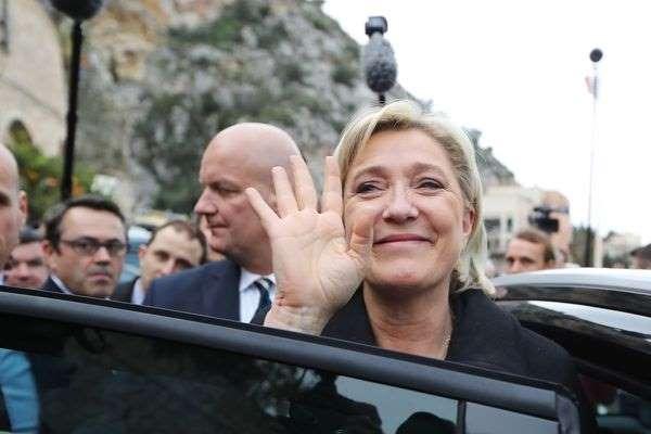 L'appel entre le garde du corps de Le Pen et Benalla confirmé
