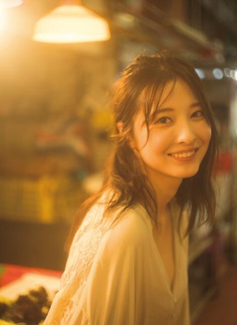 WEB Magazine : ( [FRIDAY Digital - Gravure] - |FRIDAY - 06/09/2019 - Eri Oishi : 大石絵理 魅惑のプリズム モデル、キャスター、タレントとしてマルチな活動| )