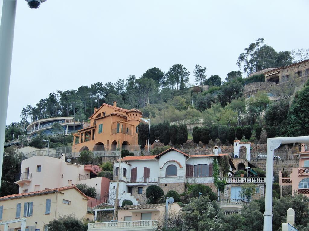 L'Esterel...la fin des villas...(2)... et la suite