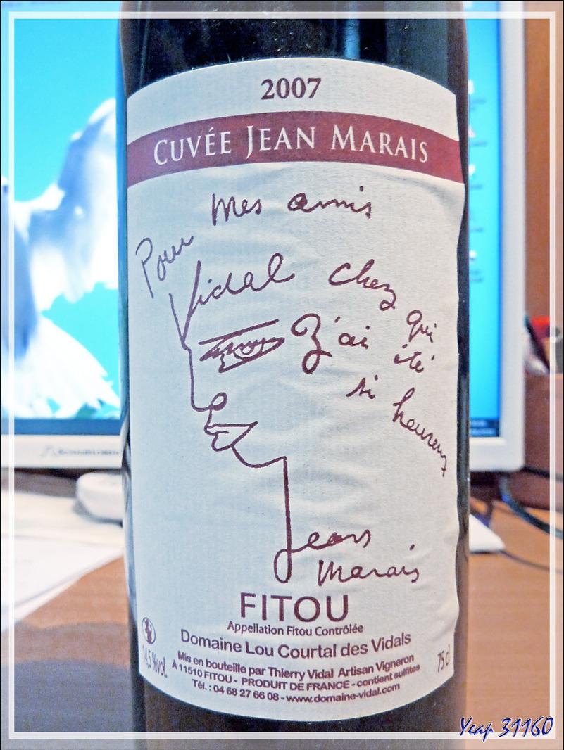 Elle va passer de vie à trépas, mais l'étiquette de cette bouteille de vin Fitou Lou Courtal des Vidals, signée Jean Marais avec un dessin de sa main, est à vendre ;-))