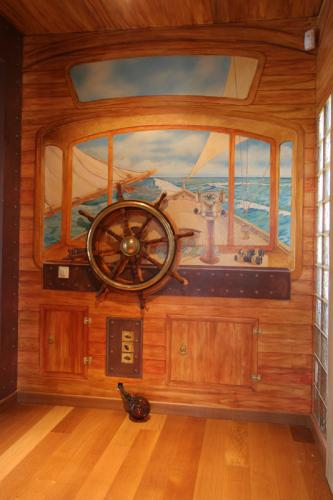 Cabine de bateau alain belmonte for Peinture interieur bateau