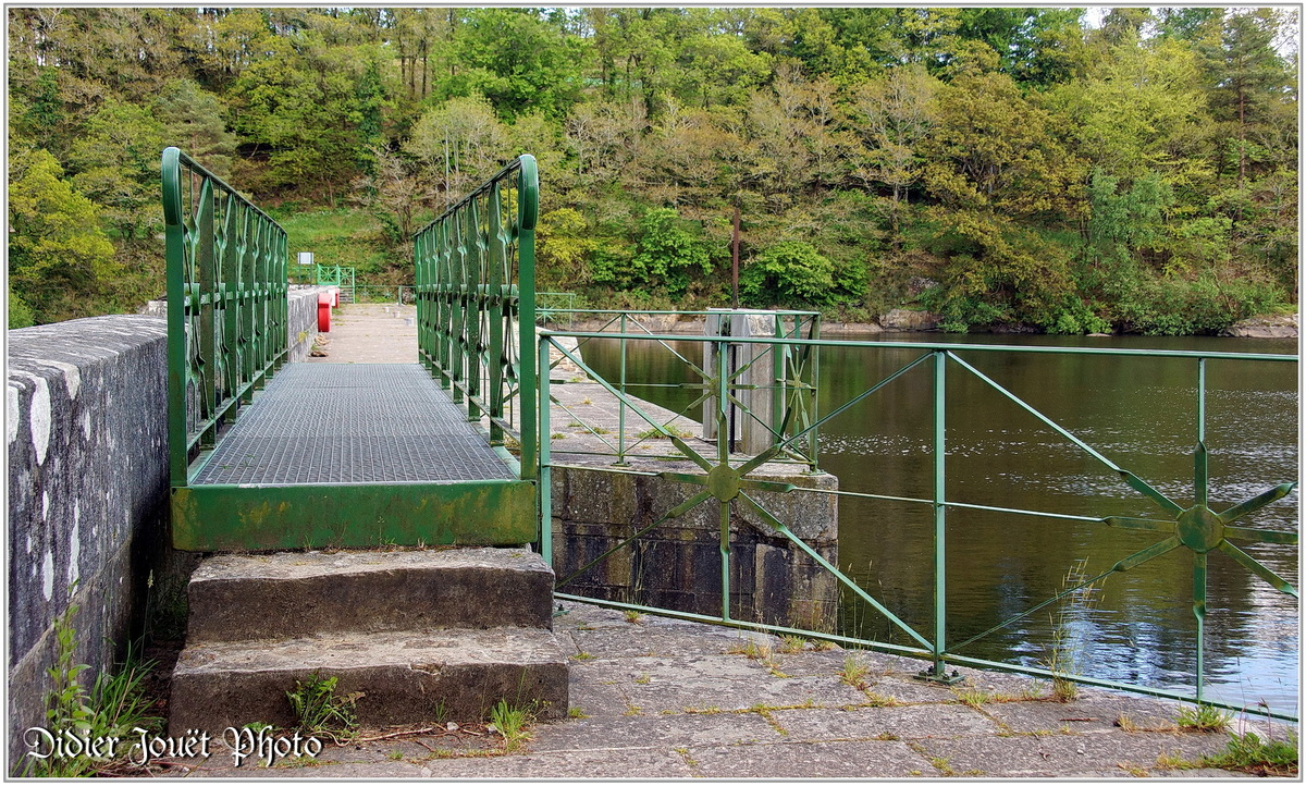 (29) Finistère - Glomel (1) - Etang du Corong