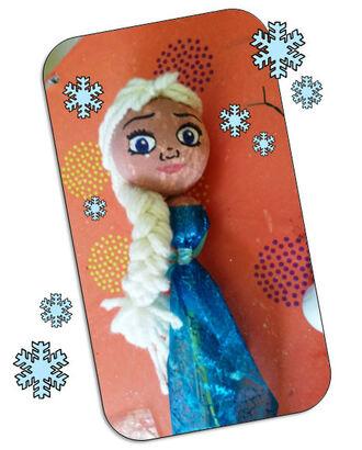 La marionnette de la Reine des neiges