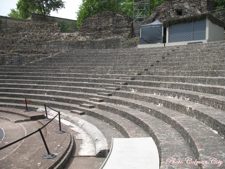 Lyon (69):Le théâtre antique de Fouvière