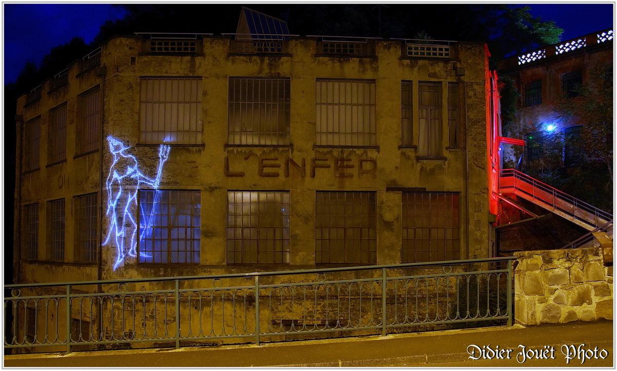 63 . Puy de Dôme - Thiers (1)