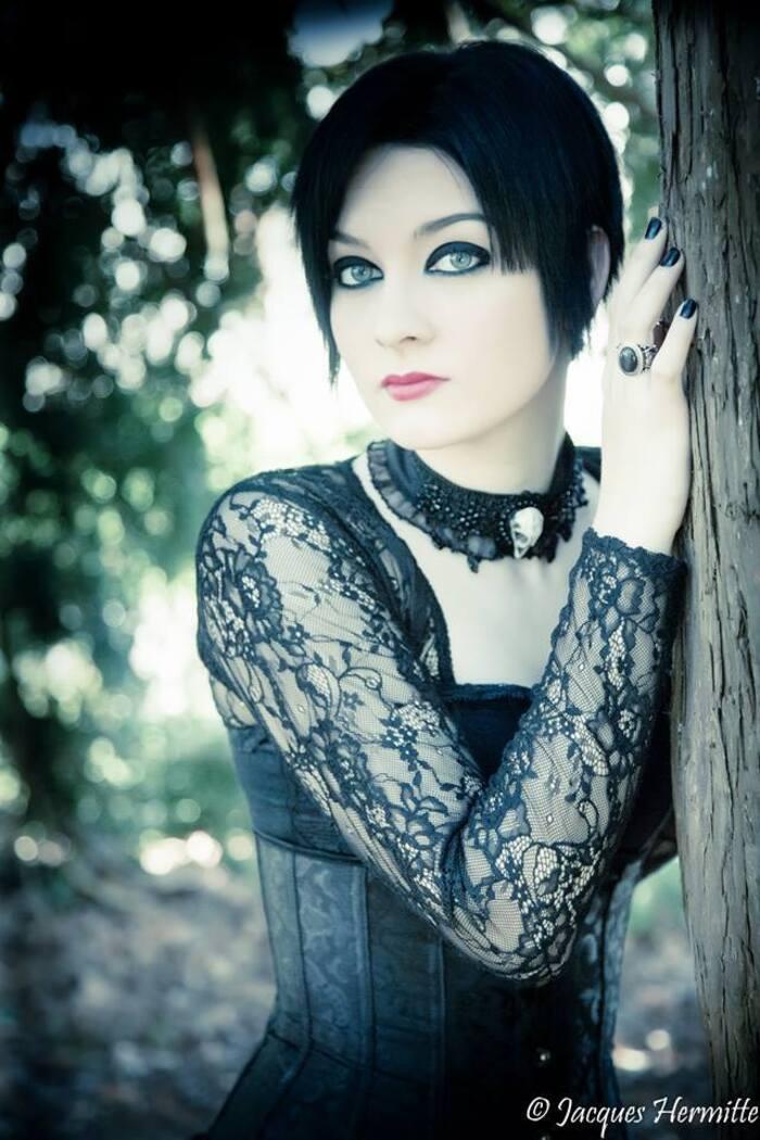 Gothiques aux cheveux courts