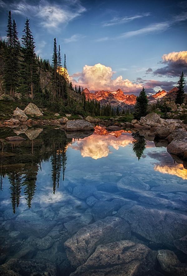 Les Montagnes Rocheuses Canadiennes.