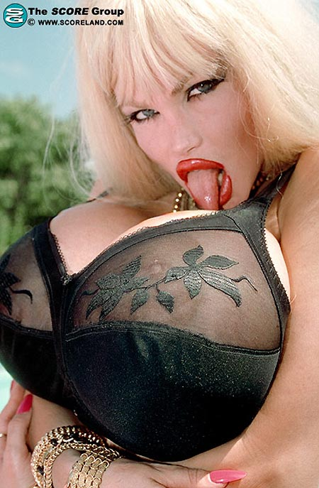 Legends Boobs - Lolo Ferrari - 1 -