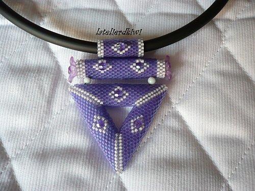 Collier violet 1