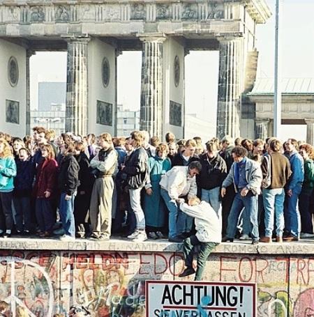 Il y a 30 ans, la chute du mur de Berlin (4-5)
