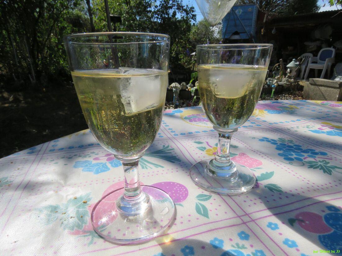 reflets sur un verre de ?