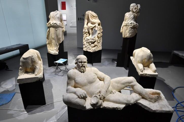 Photos-Villes du Monde 4:  Nîmes mise sur son passé romain