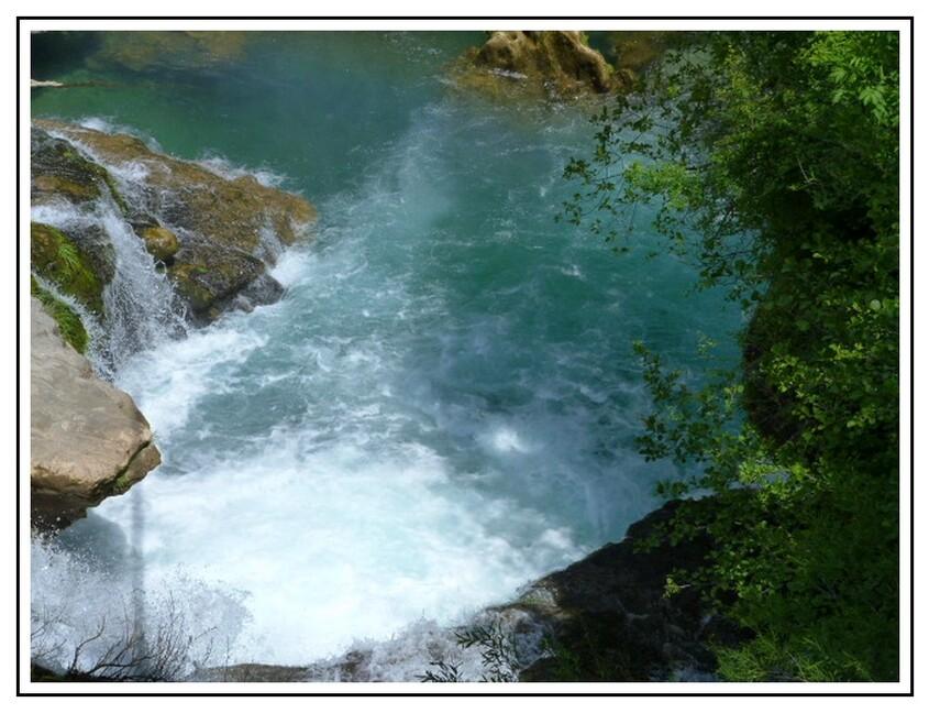 Le village de Navacelles  et la cascade