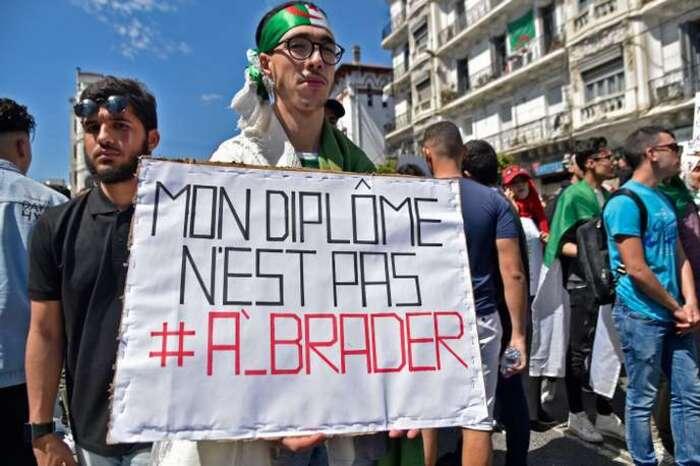 Mohamed Kacimi : le français est une langue algérienne...