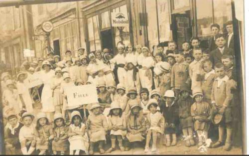 L'entre-deux guerres et l'inauguration du monument aux morts en 1923