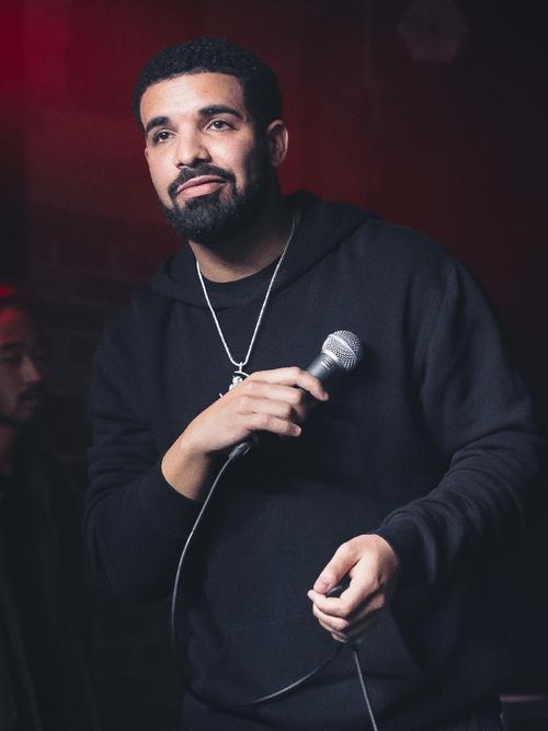 Drake s'offre un duo avec le Roi de la pop