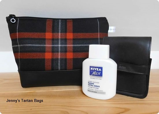 Wash bag in the Harley-Davidson tartan
