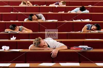 ISP2101424_P_Students-sleeping-in-lecture-theatre