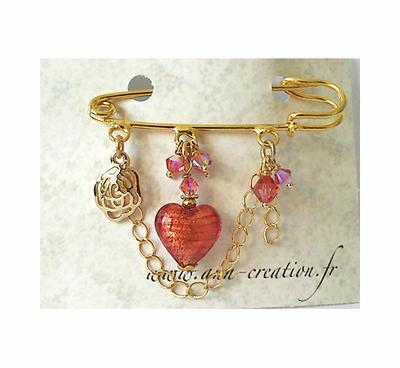 Broche Epingle Coeur Verre de Murano authentique Rose Corail, Cristal de Swarovski et breloque fleur / Métal doré