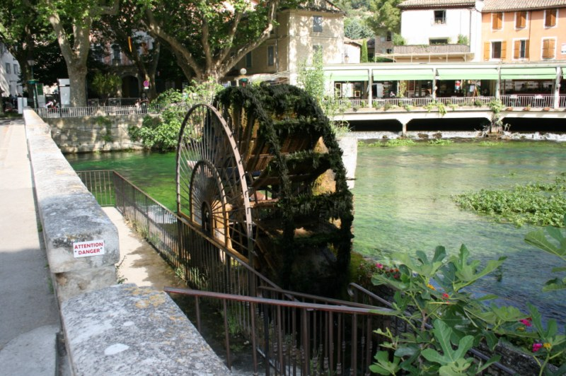 Fontaine-du-Vaucluse 4207 [800x600]