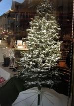 Tannenbaum mit Styroporschnee
