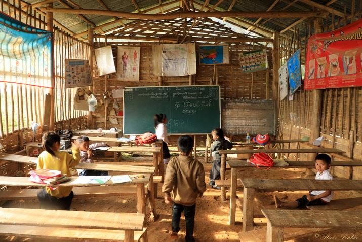 Ecole du village Khmou de Kiou Xang