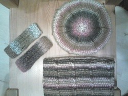 Ensemble bonnet/mitaines/snood fillette