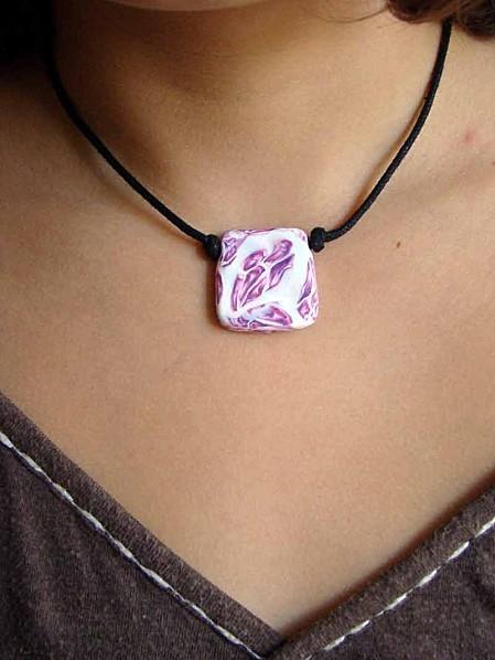 collier-fimo-rose.jpg