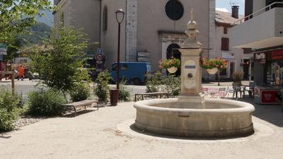 Espaces publics à Saint-Étienne-de-Crossey