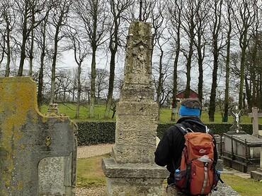 Croix de cimetière (1522) - Eglise St-Martin-St Saturnin (XIIe-XVIe-XVIIe s.)