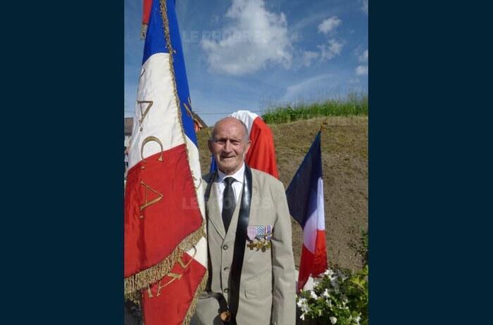 JURA Les Rousses : une cérémonie marquant le souvenir des négociations secrètes de février 1962 débouchant sur le cessez-le-feu de la guerre d'Algérie et la fin de 132 ans de colonialisme.