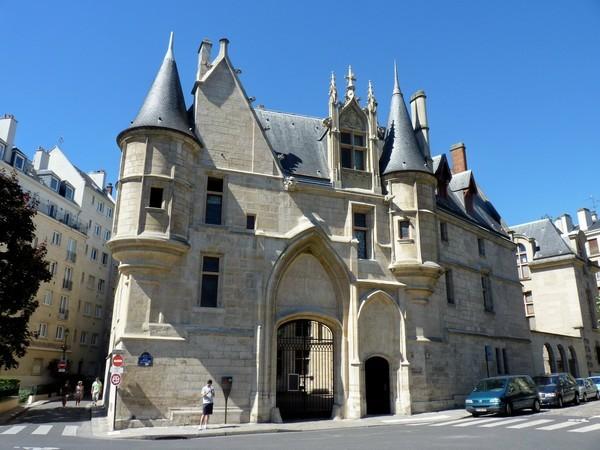 03 - Hôtel de Sens (entrée)