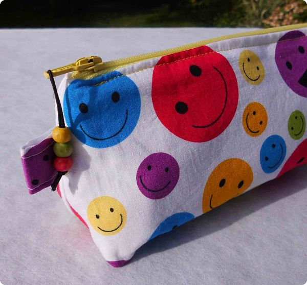 "Trousse scolaire ""Smiley"""