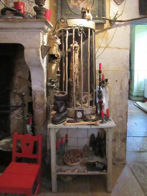 Le cabinet de curiosités de la Galerie des Z''uns possible de Fabien Ansault à Chamesson, s'est agrandi et s'est superbement étoffé !