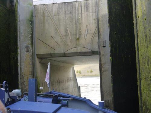 Nous allons pouvoir remonter l'autre canal