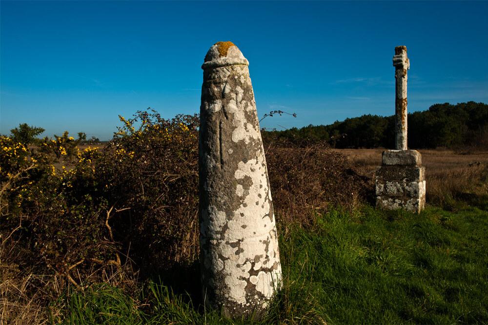 Stèle de Prostlon Pen-er-Pont, Locoal-Mendon