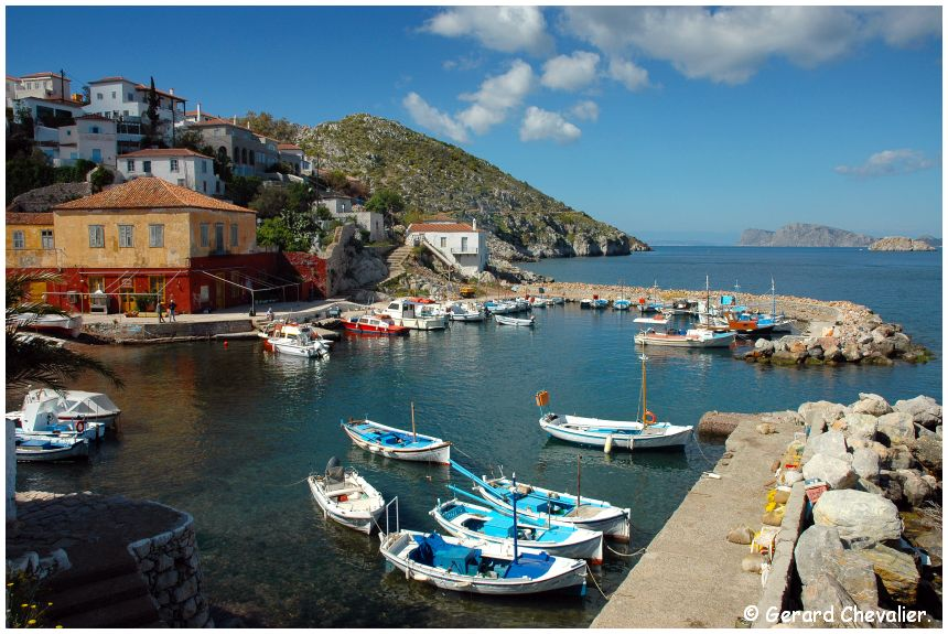Hydra  (Grèce) - Le port de Kamini.