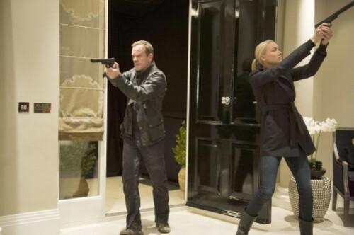 Kiefer-Sutherland-Yvonne-Strahovski-Jack-Bauer-Kate-Morgan-.jpg