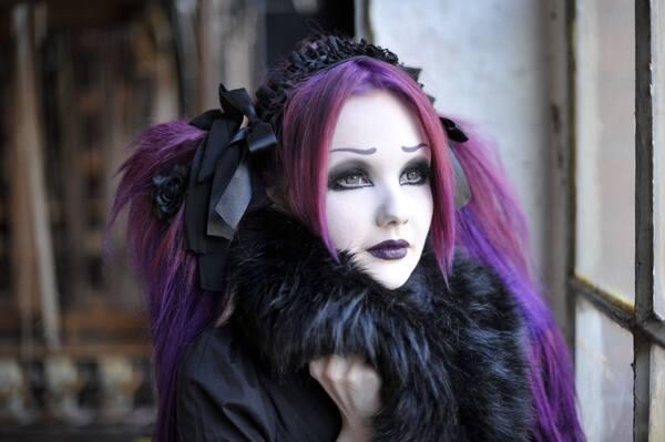 Esther von Nachtschatten, modèle