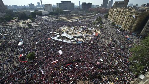 Les fleurs pourpres du Caire : silence, on tue !