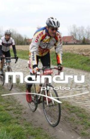 Manu à Paris-Roubaix challenge