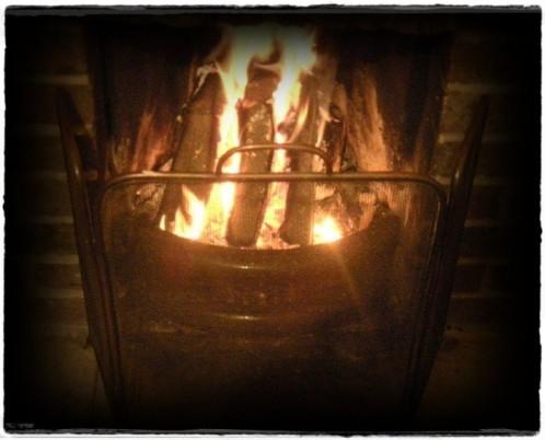 Feu qui réchauffe le corps et le coeur ...