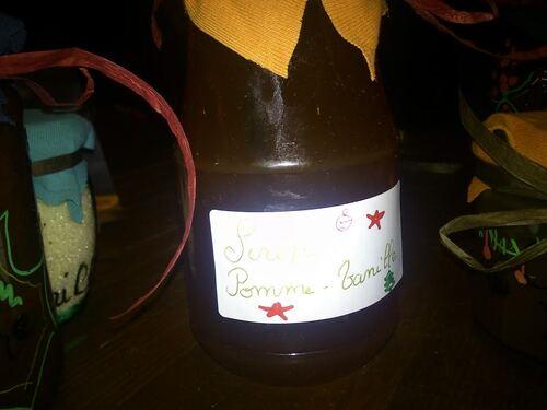 Idée Cadeau : Sirop pomme Vanille (pour ne pas gâcher les épluchures^^)