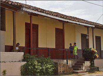 panama-sidewalk