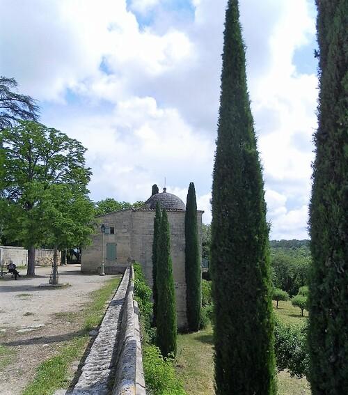 En route vers UZES,dans le Gard (30)