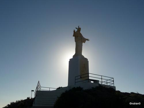 Le Christ Rédempteur au-dessus de Puerto de Mazarrón