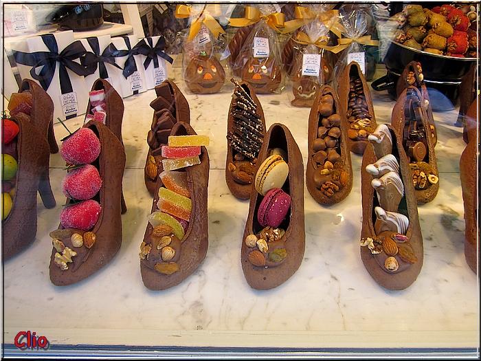 Bruges, sa dentelle, ses chocolats belges.